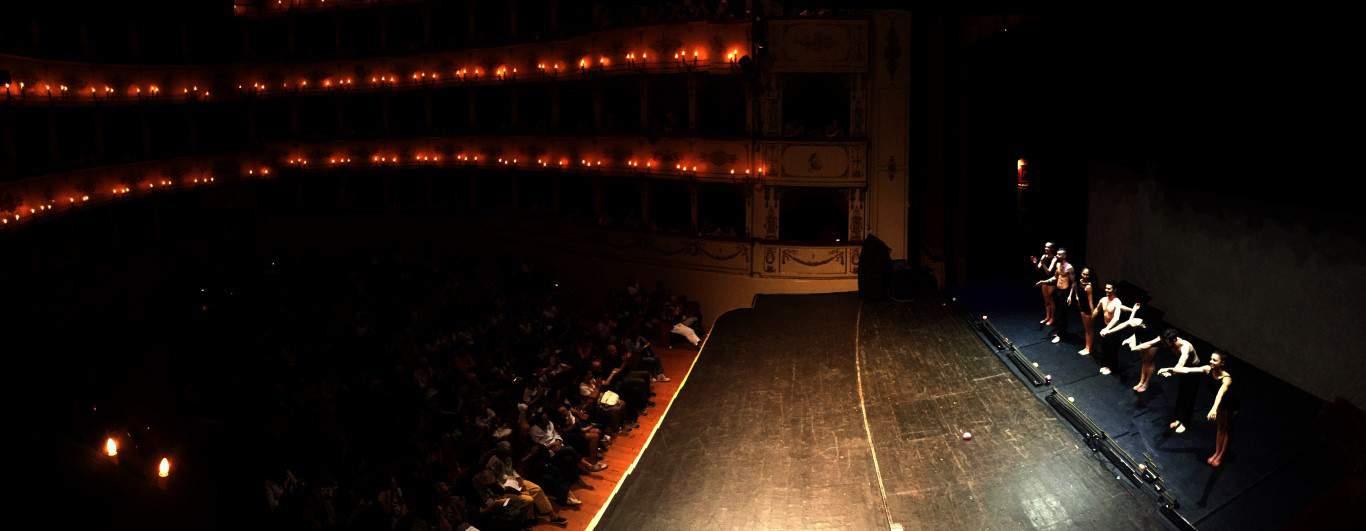 Evolution Dance Theater_pubblico e applausi